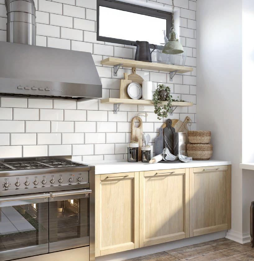 Кухонный гарнитур без верхних шкафов больше подходит для просторных помещений