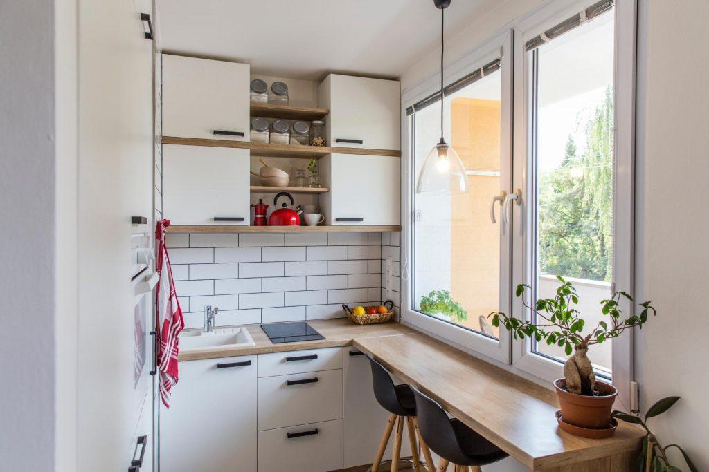 Маленькая кухня с двухконфорочной варочной поверхностью