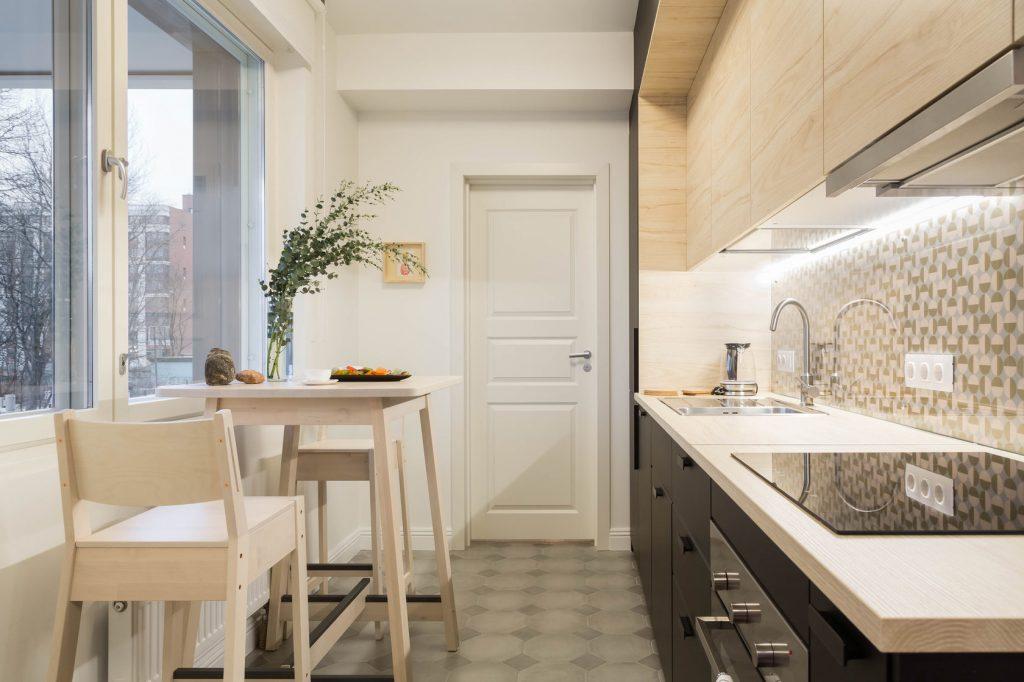 Маленькая кухня с прямой планировкой